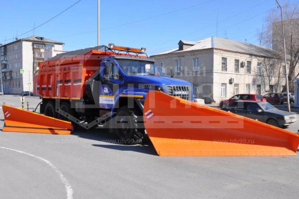 Купить Комбинированная дорожная машина КДМ 45.5557 УРАЛ-NEXT - Цена снижена!
